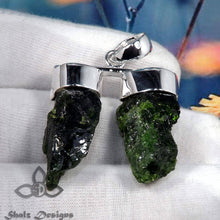 Load image into Gallery viewer, Chrome Diopside Pendant, Chrome Diopside Jewellery, Chrome Diopside Rough, 925 Silver Pendant, Solid Silver Jewellery, Rough Stone Pendant