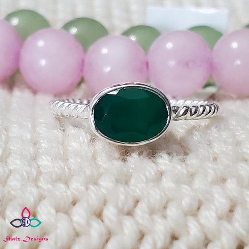 Green Onyx Ring, Onyx Ring, Green Stone Ring, Silver Ring, Oval Shape Ring, Handmade Ring, Dainty Ring, Lightweight Ring, Size 5US, Z64
