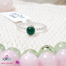 Load image into Gallery viewer, Green Onyx Ring, Round Stone Ring, Dainty Ring, Friendship Day,  Valentines Day, Silver Ring, Canada Day, Birthstone Jewelry, Size 6US, Z71