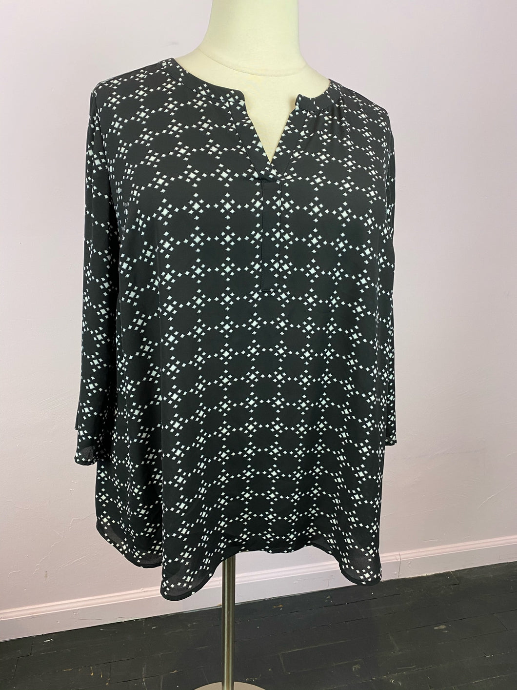 Black Long Sleeve Tunic with White Geometric Pattern by DR2, Size 2X