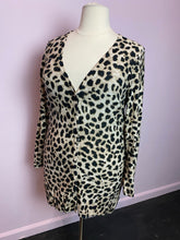 Load image into Gallery viewer, Torrid Leopard Textured Slub Boyfriend Cardigan Size 2
