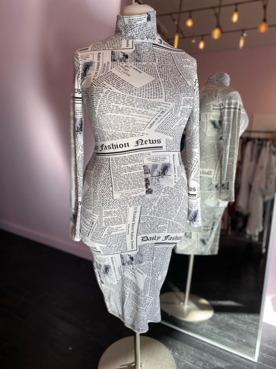 Long Sleeve Newsprint Bodycon with Turtleneck by Day & Night, Size 14/16