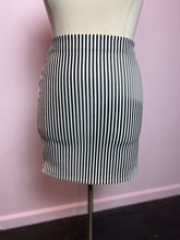 Load image into Gallery viewer, Black and White Vertical Stripes Stretchy Forever 21 Skirt, Size 3X