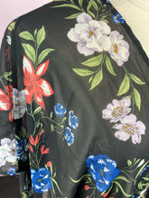 Load image into Gallery viewer, Black Floral Duster, Size 2X