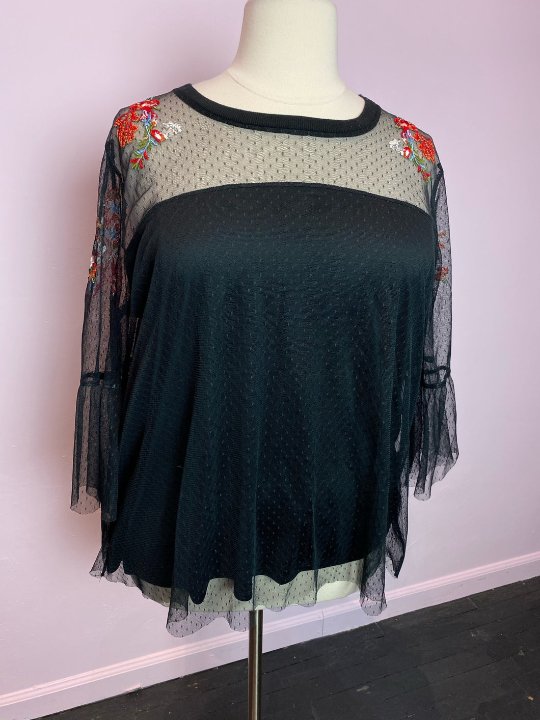 Torrid Mesh and Floral Illusion Top Size 3