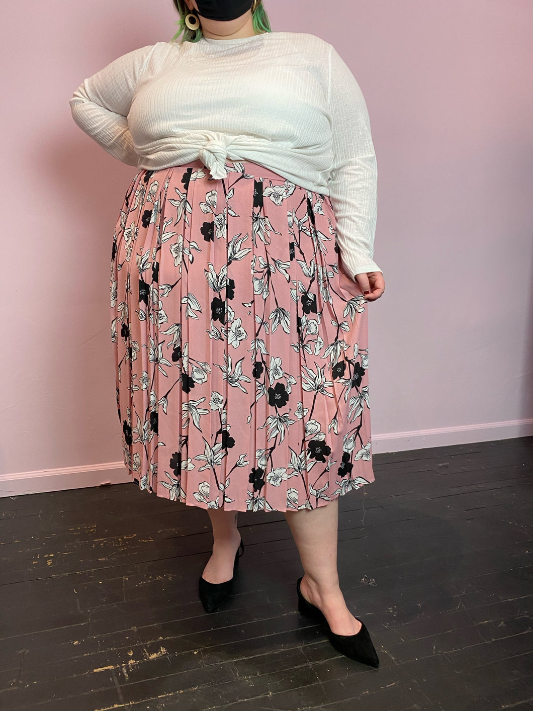 Baby Pink, Black, and White Floral Who What Wear Pleated Maxi Skirt, Size 26