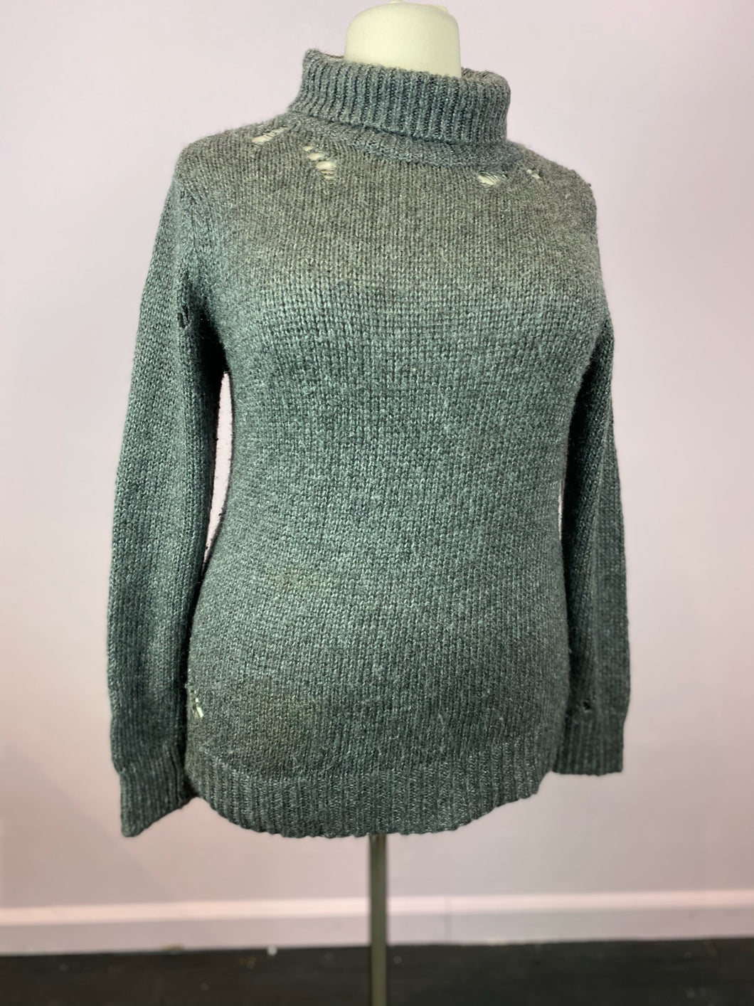 Gray Knit Turtleneck with Distressing by Forever 21, Size 2X