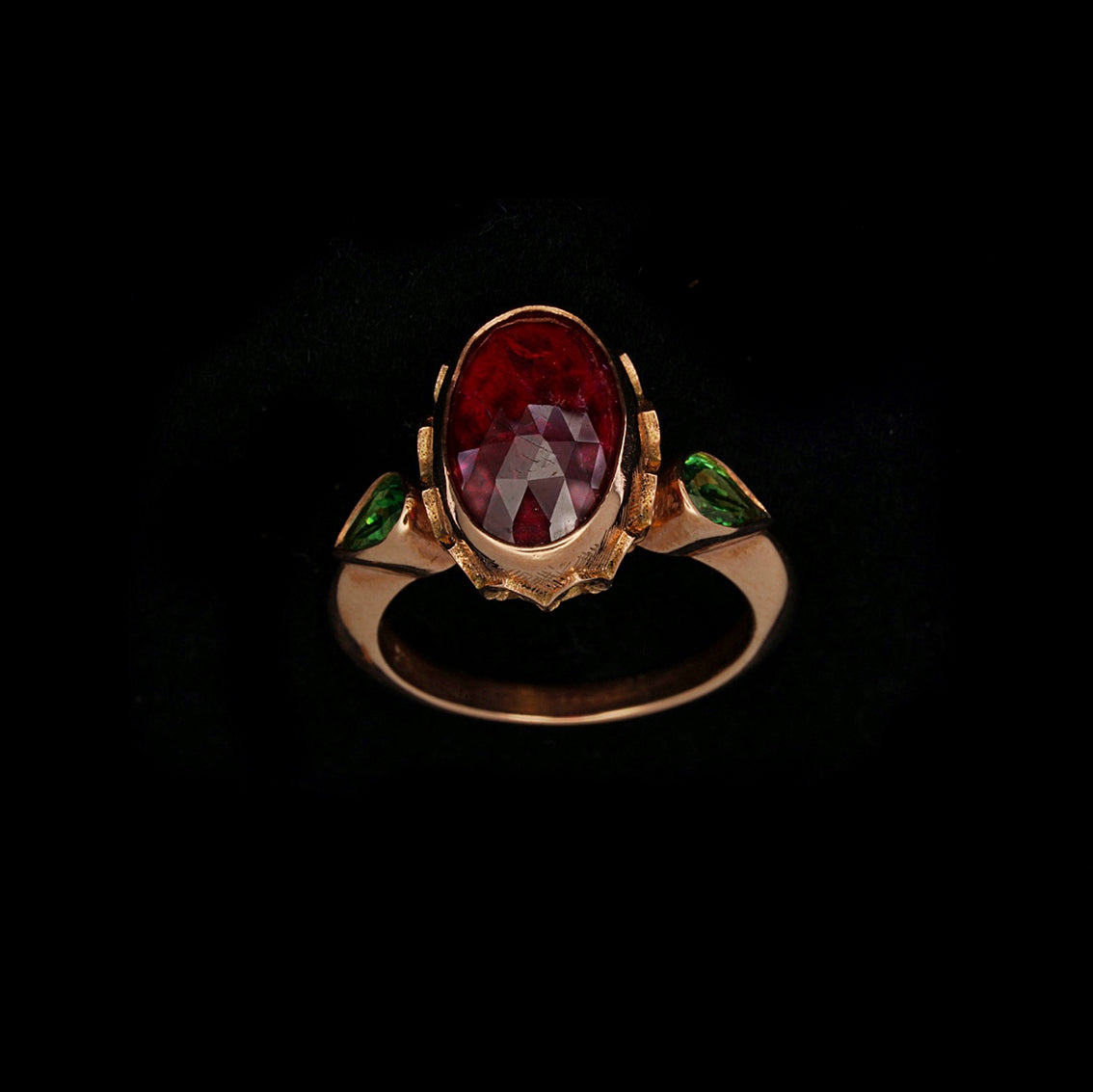 ELEGANT EMPRESS RING