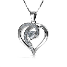 Laden Sie das Bild in den Galerie-Viewer, Elegant Heart Necklace