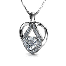 Laden Sie das Bild in den Galerie-Viewer, cute heart necklace