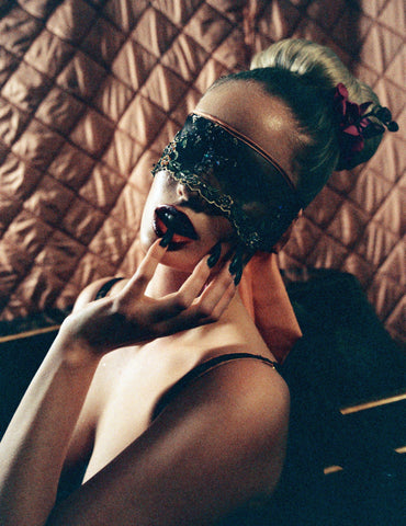 Obsession blindfold