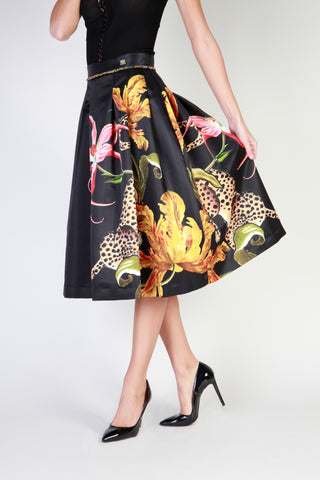 Cavalli Class Skirt With Floral Fantasy. A9IQB30595098_G841_20_899_NERO