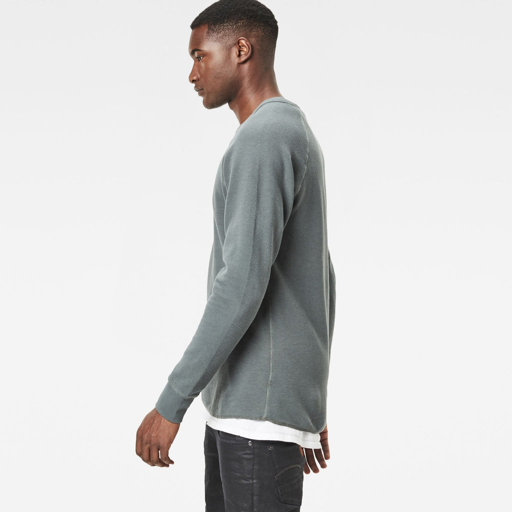 Jirgi Long Sleeve T-Shirt Graphite