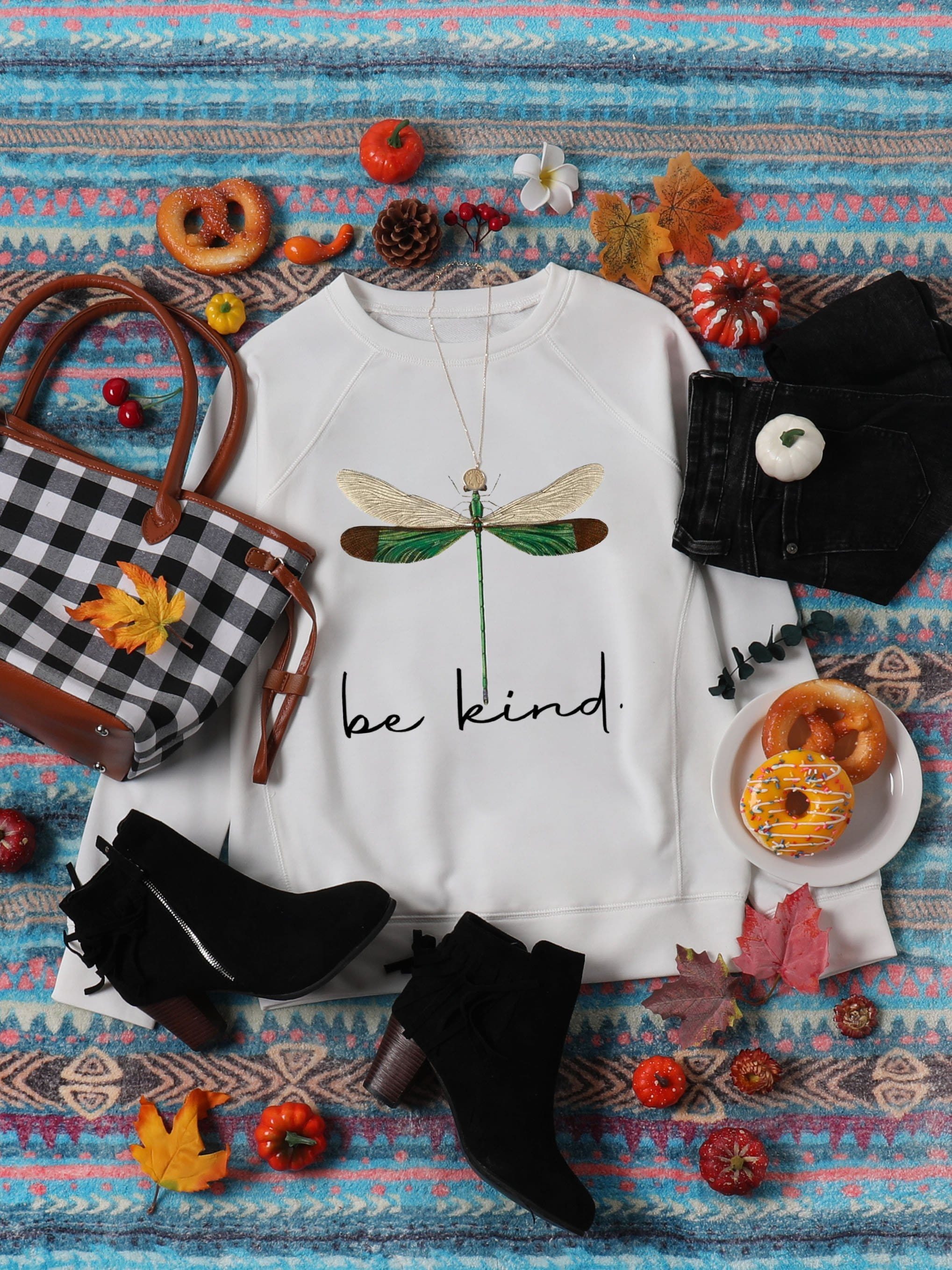 Women's Be kind Dragonfly Print Casual Sweatshirt