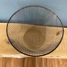 "Load image into Gallery viewer, 20"" Round Wire Basket"