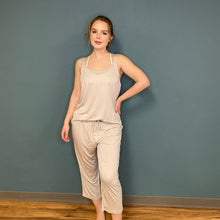 Load image into Gallery viewer, Bamboo Capri Pants