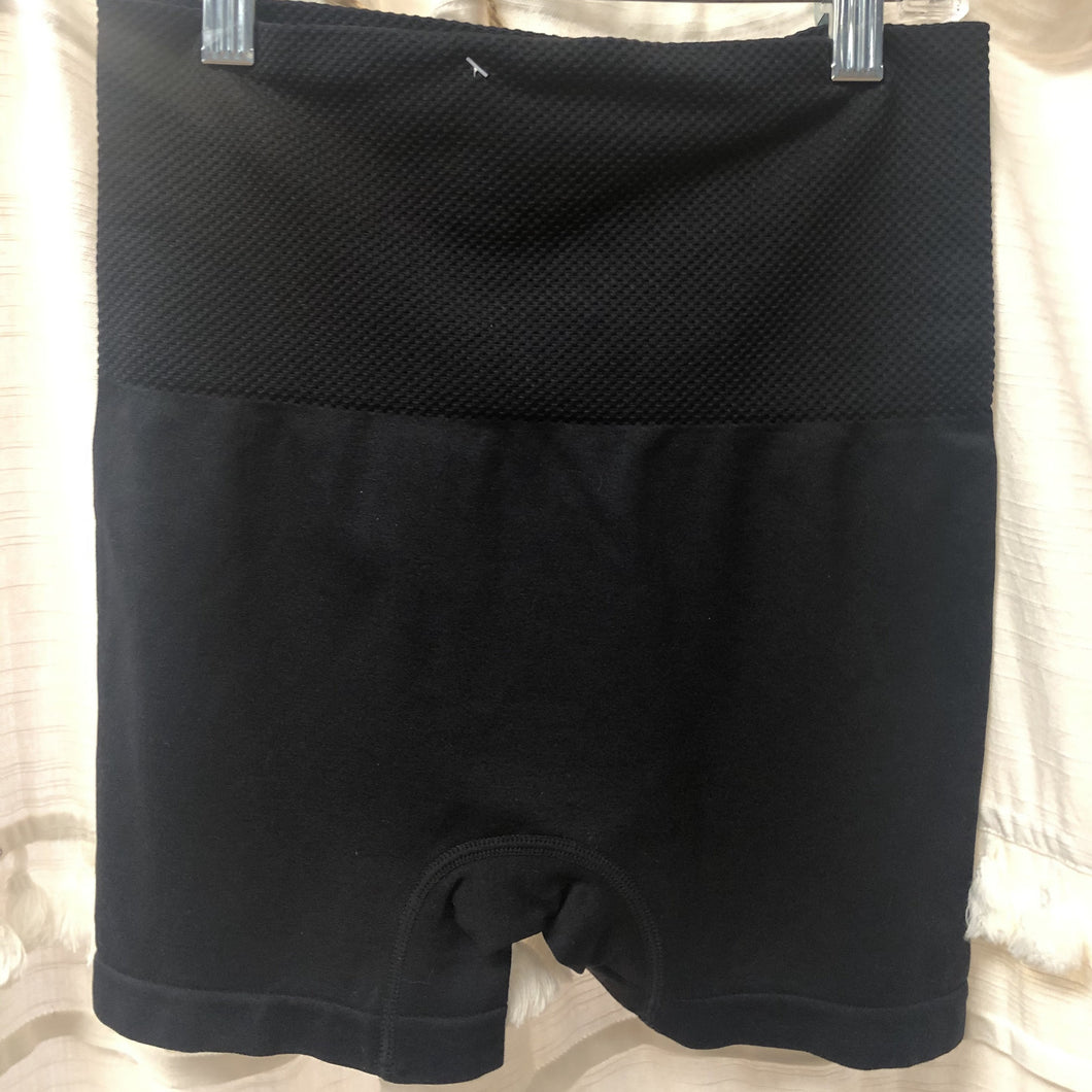 Seamless Black Shorts