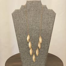 Load image into Gallery viewer, Gold Toned Leaf Necklace