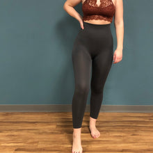 Load image into Gallery viewer, High Waist Seamless Capri Leggings