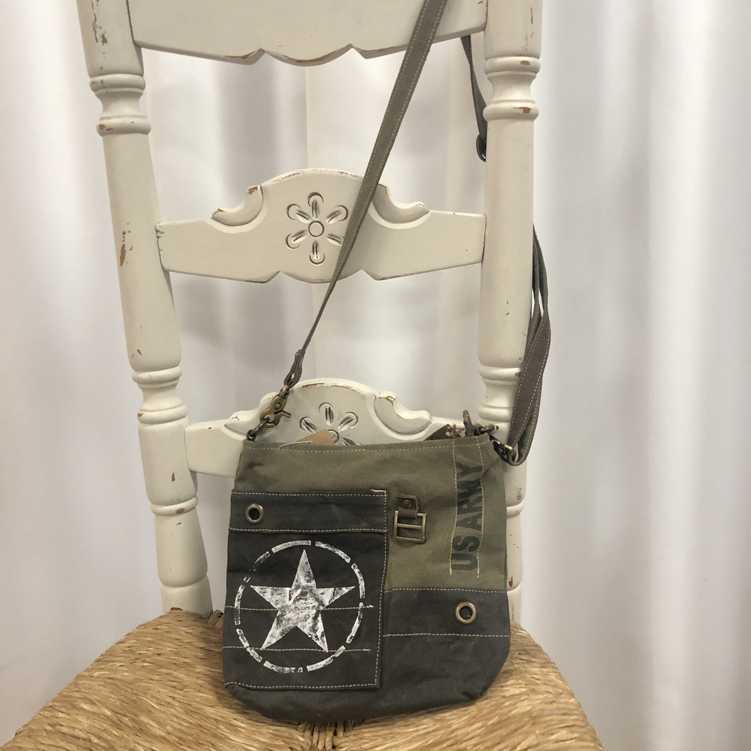 Clea Ray Army Bag