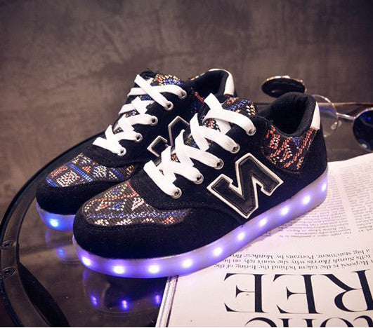 Letter N Printed Luminous Shoes