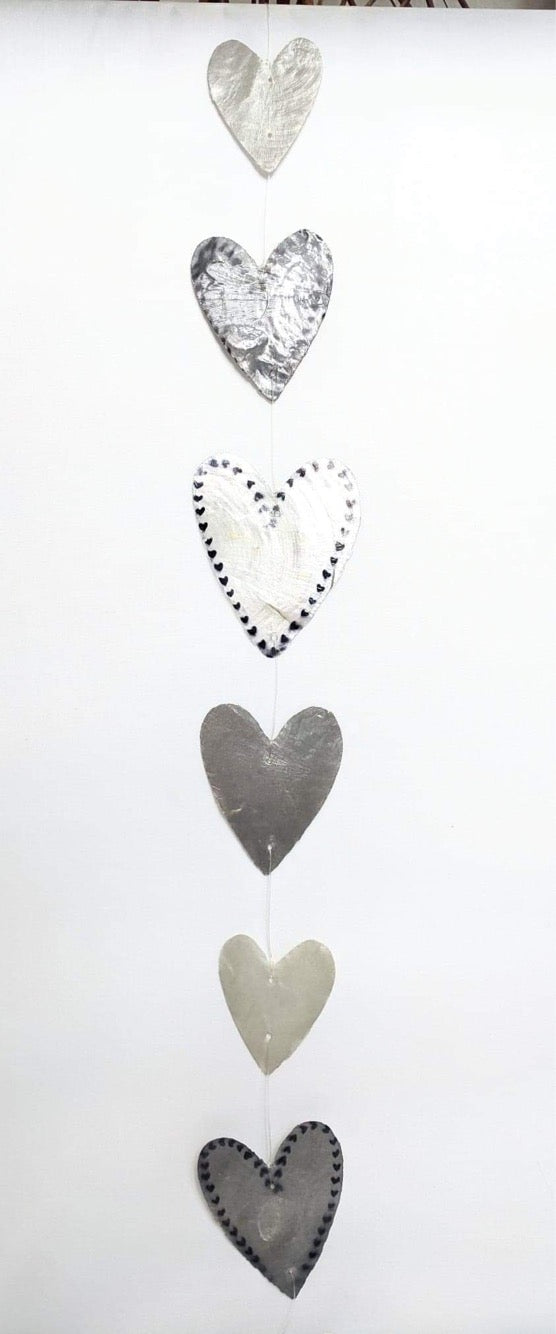 Pearl-Effect Heart Shell Hangers