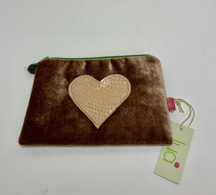 Lua Small Chocolate Velvet Sac with Heart Motif
