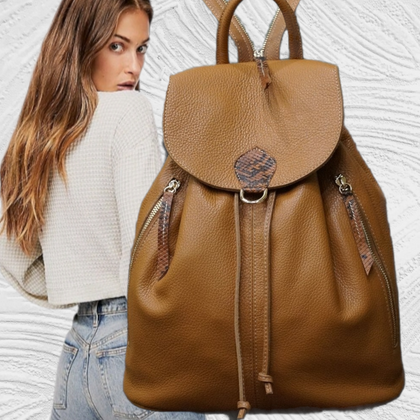 Travelling.Soft camel backbag with 2 zips pockets