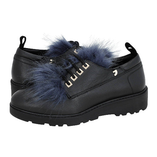 Black shoes with thick sole and removable blu black fur