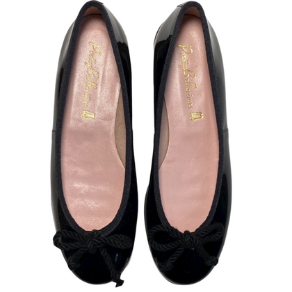 Rosario.Pretty ballerinas black leather shoe with red rubber sole