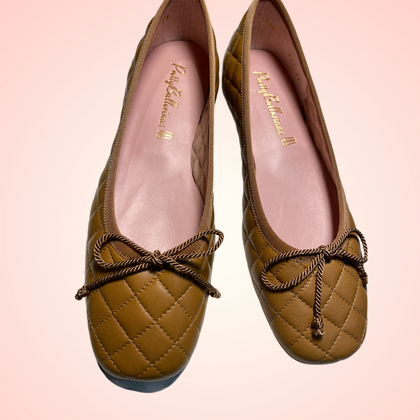 Zoey.Pretty ballerinas brown sugar quilted leather