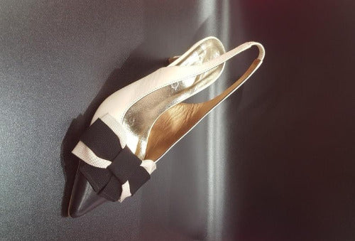 Chic all time classic bow heels