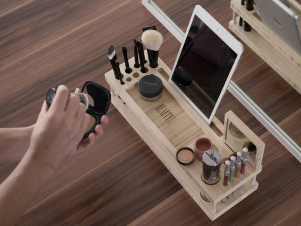 Beauty Station - Makeup holder