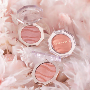 BLOOMING EDITION PETAL GLOW BLUSH