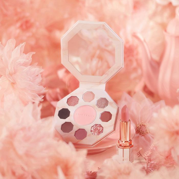 Blooming Edition Secret Garden Palette Flower Bed