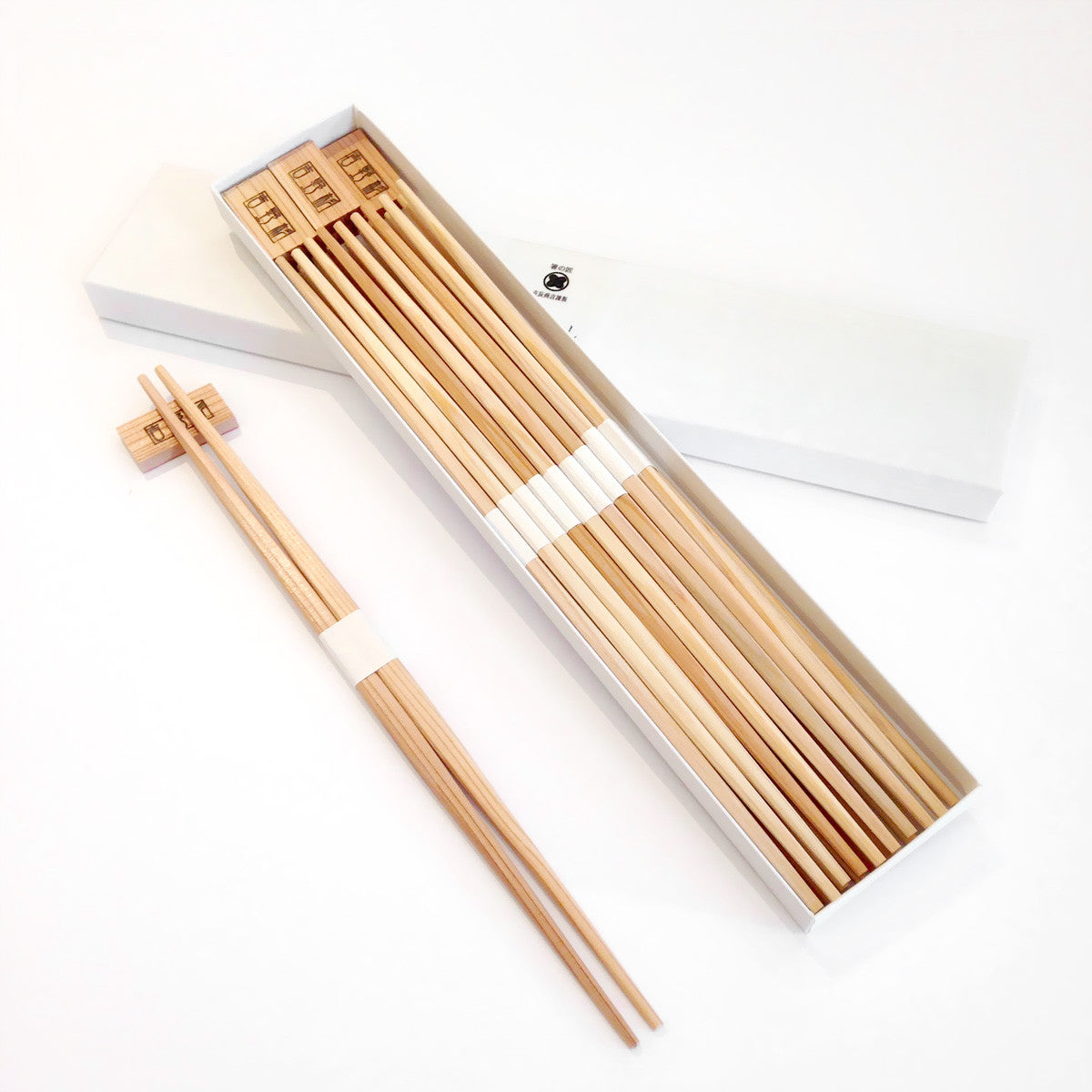 Yoshino Cedar Chopsticks with Chopsticks Rest - 10 pair