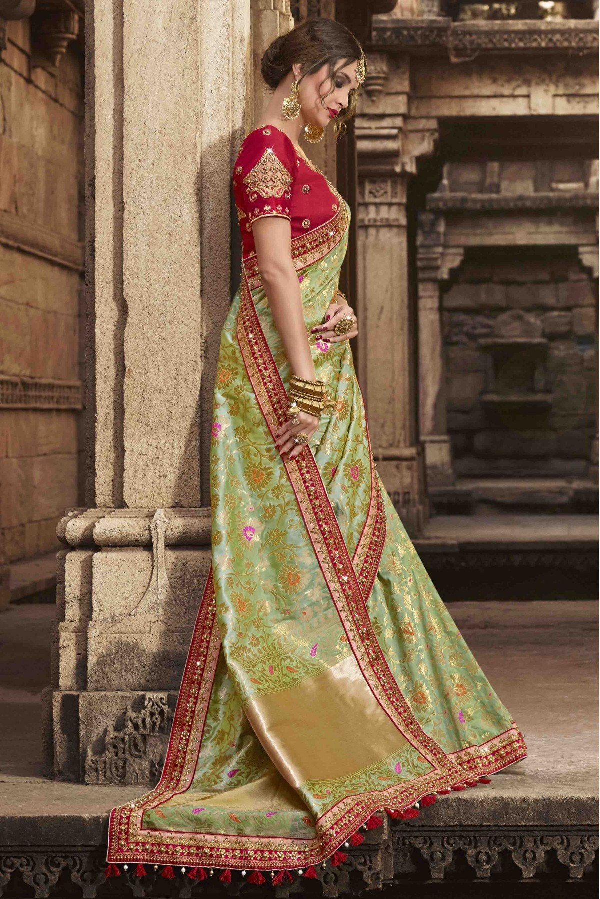 Captivating Green and Dark-Red Colour Beautiful Silk Saree for Women s