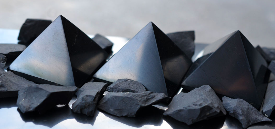 Shungite: This Crystal Is Said To Have Cancer-Fighting Properties