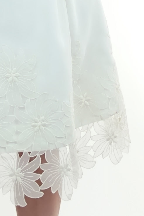 Silver Moon | 1960s Vintage Daisy Wedding Dress Detail