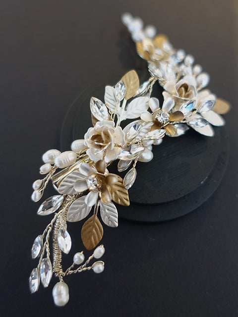 Golden Floral Hairpiece