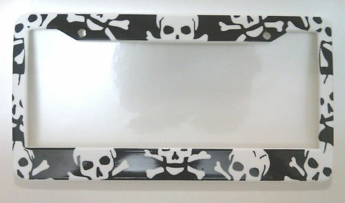 Skulls Crossbones skull pirate License Plate Frame
