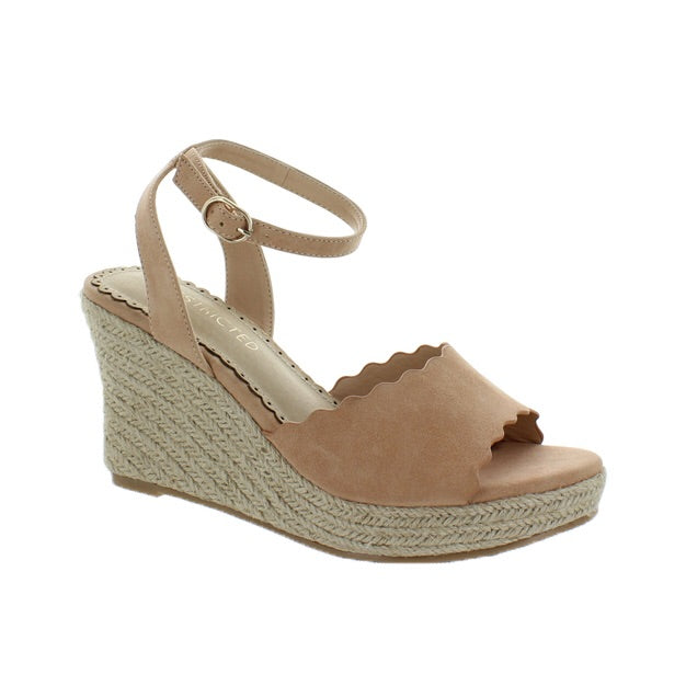 Blush wedge with strap