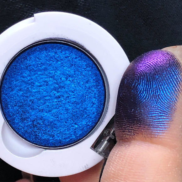 "Multichrome Pressed Eyeshadow ""Vinyl Ocean"""