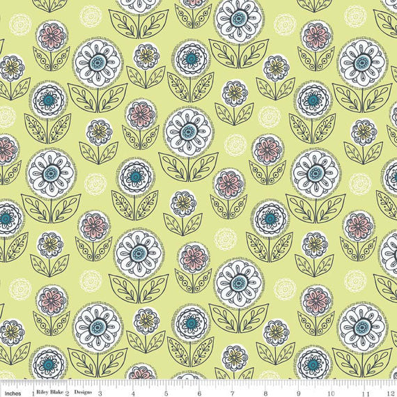 Dutch Garden Green, Betz White, Riley Blake Designs (100% Cotton Quilting Fabric)