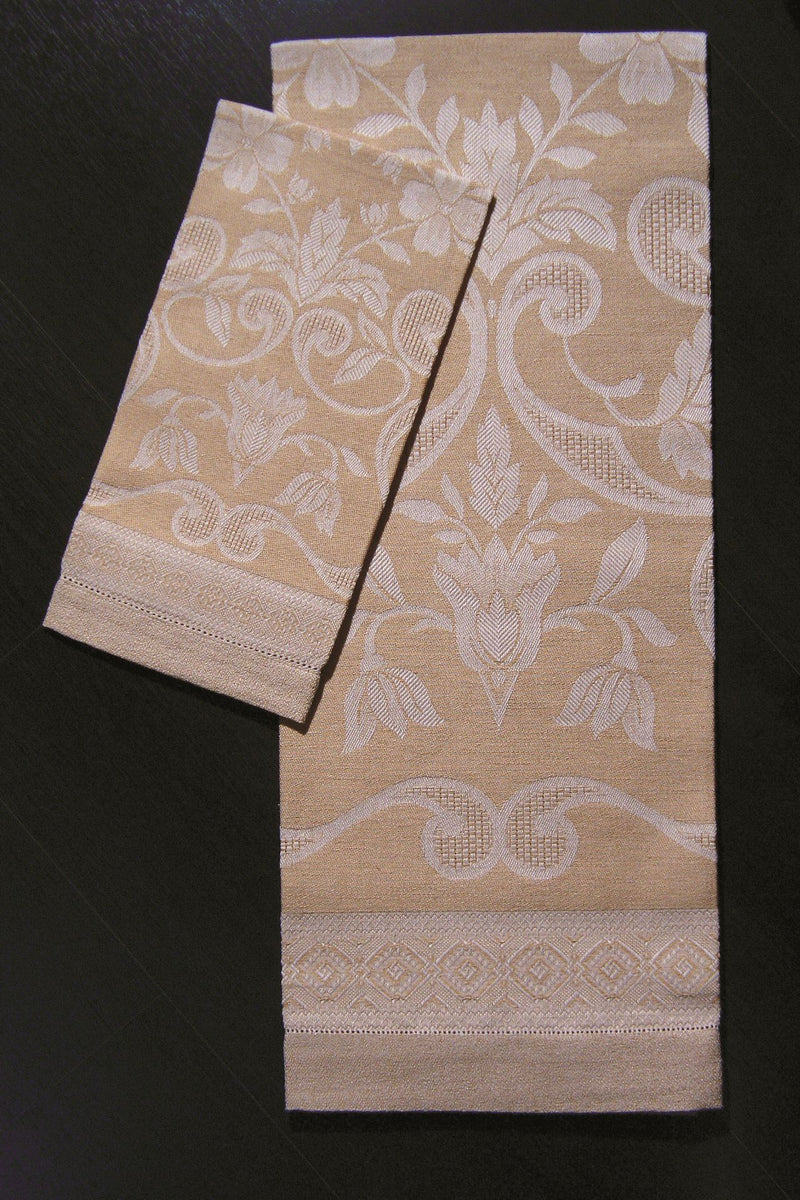 <transcy>PAIR OF LINEN BLEND DAMASK TOWELS</transcy>