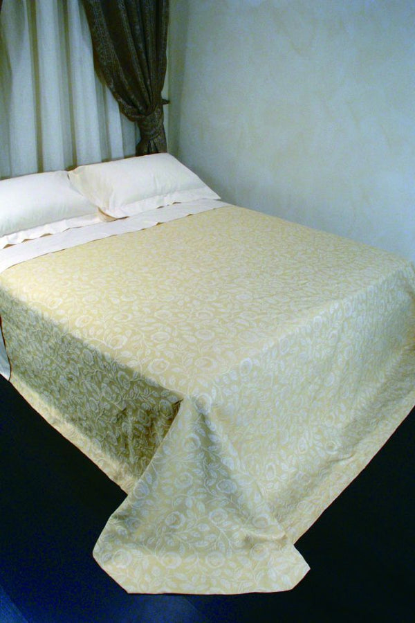 <transcy>SENNA BEDSPREAD IN PURE COTTON</transcy>