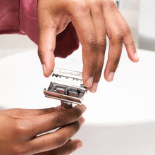 Load image into Gallery viewer, Double Edge Safety Razor