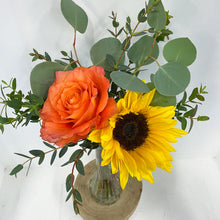 Load image into Gallery viewer, Mini Flower Arrangement