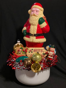 Vintage Christmas Decor Bar - Monday, Dec. 14, 6:30 - 8:30pm, Prices Vary