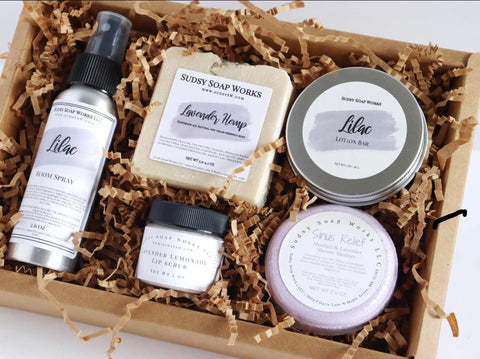Custom gift boxes for every occasion! Send us a message and we'd be more than happy to work with you.